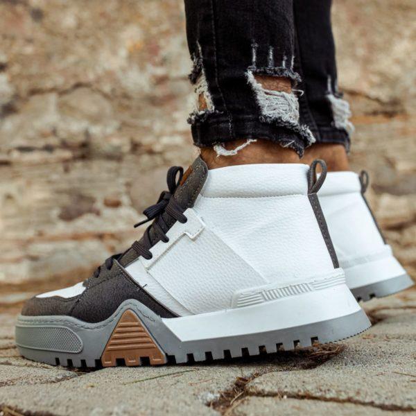 Chekich Ghost Sneakers